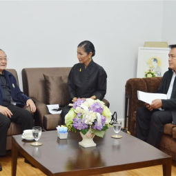 Minister of Tourism and Sports met the General-Secretary of the Chaipattana Foundation for advice on brining the King's Philosophy for tourism development