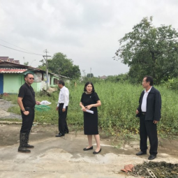 Deputy Secretary-General and Treasurer of the Chaipattana Foundation conducted the Land Survey in Bangbon District Bangkok