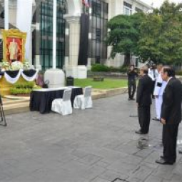 The Chaipattana Foundation together with the Office of the Royal Development Projects organized a merit-making ceremony with twenty monks to commemorate the passing away of His Majesty King Bhumibol Adulyadej