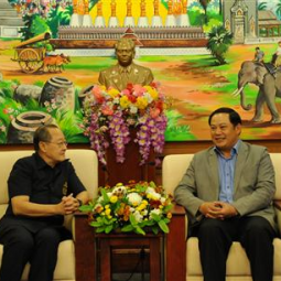 The Secretary-General Meets with the Governor of Champasak Province, Lao PDR
