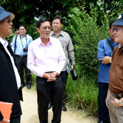Executives of Savannakhet Province, Lao PDR, Visit the Chaipattana Foundation's Projects