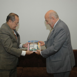 Israeli Ambassador discusses flood management and mitigation with Secretary-General Sumet Tantivejkul of the Chaipattana Foundation